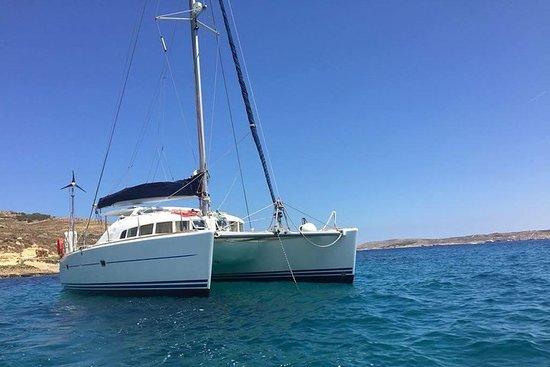 Catamaran tur på Malta