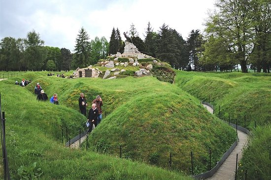 WW1 Somme Battlefields - Thiepval, Beaumont Hamel - Day trip from...