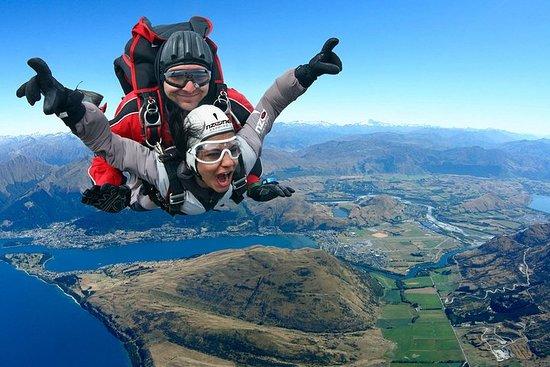 Tour Adrenalina di 10 giorni. Paracadutismo, Bungy, Rafting