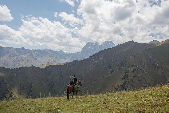Equitation au Kirghizistan, terre...