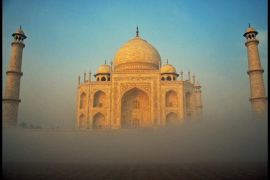 Foto Overnight Taj & Fort Tour from Jaipur With Accommodation