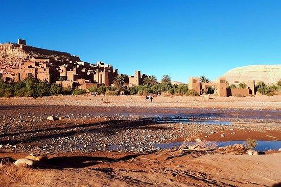 KULTUR, TREKKING, ERLEBNISSE UND ENTSPANNUNG IN DER SAHARA. (Exklusiv) Foto