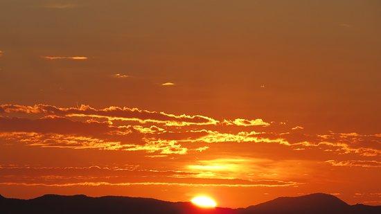 Karibib, นามิเบีย: Sunrise at Etusis