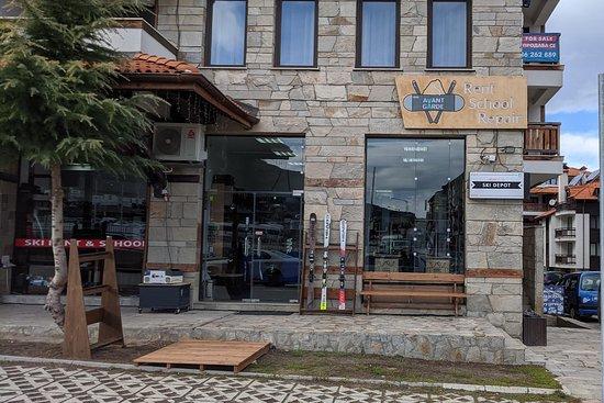 Avantgarde Ski School and Rental