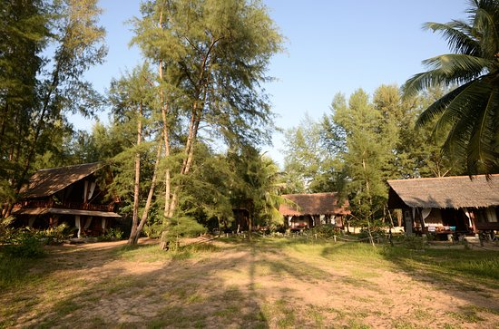 Ko Phra Tong - The Moken Eco Village. Bungalows and Reception/Restaurant (left)
