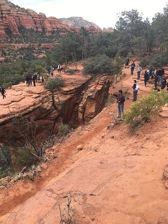 A crowded great hike