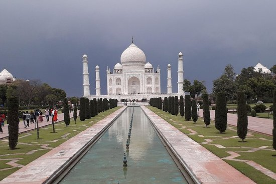 Private Taj Mahal Full day Agra tour by...