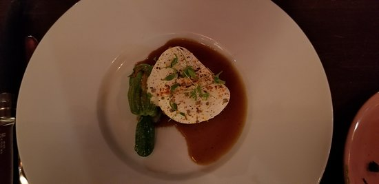Baked egg with green beans, morels and truffle