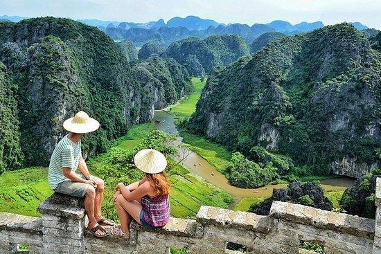 Caverna Hoa Lu Trang - Grupo pequeno e...