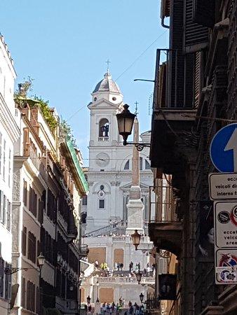 Piazza España y Iglesia Trinitá dei Monte