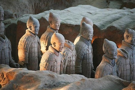 Mini Group Xian Day Tour to Terracotta Army, City Wall, Pagoda & Muslim Bazaar – fénykép