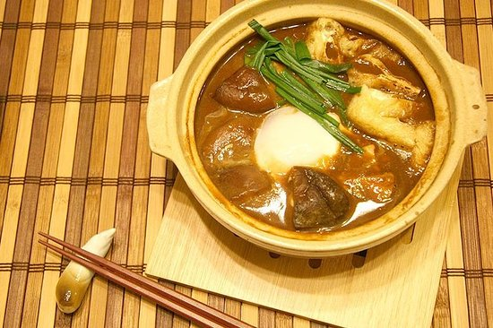 本格的な名古屋料理の調理法を、現地の方の自宅で教わります