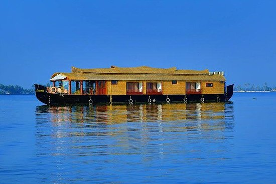 01-Bett-Zimmer Pvt Premium Hausboot...