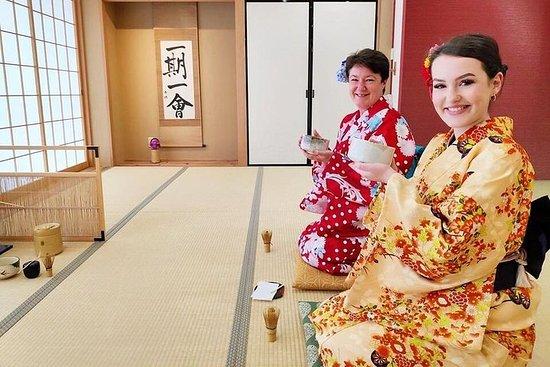Teezeremonie und Kimono Erleben Sie...
