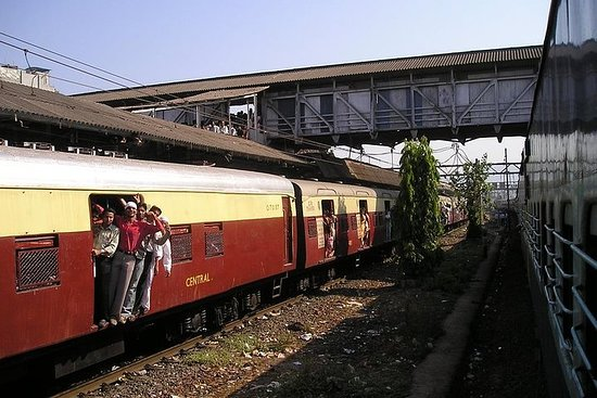 3-hour heritage walking tour of Mumbai