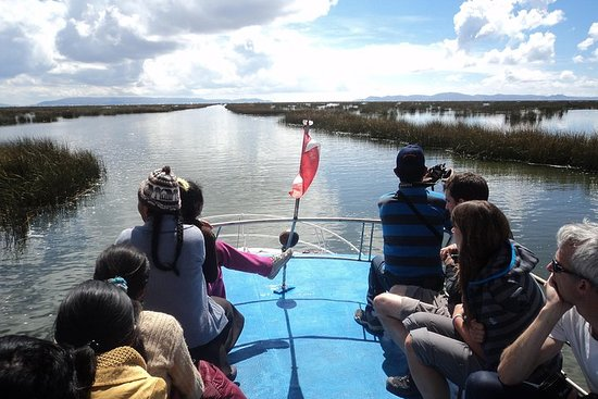 Dagstur til Uros og Taquile-øyene fra...