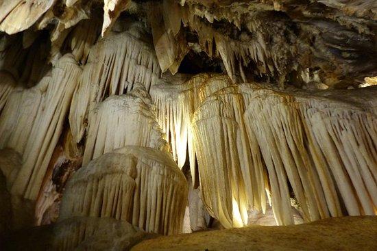 Excursión Gruta de las Maravillas y Museo del Jamón en Aracena