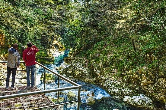Dype kløfter og huler fra Kutaisi