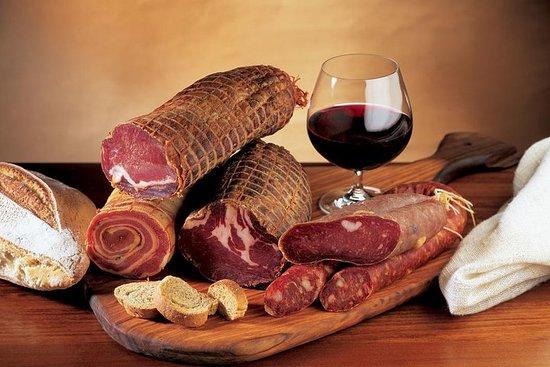 Tour gastronomico privato dei Castelli Romani con porchetta e