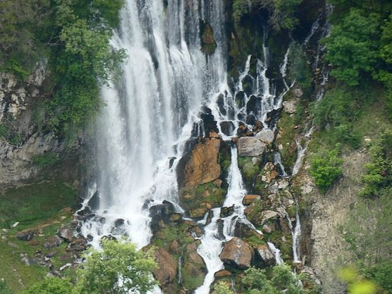 SOTIRA WATERFALL HIKING / TREKKING di 1001 avventure albanesi