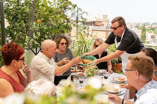 Lunsj eller middag og matlaging demo på et lokalt hjem i Ancona