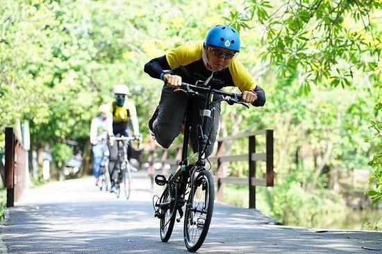 HD-06 Bang KraChao, mit dem Fahrrad im...