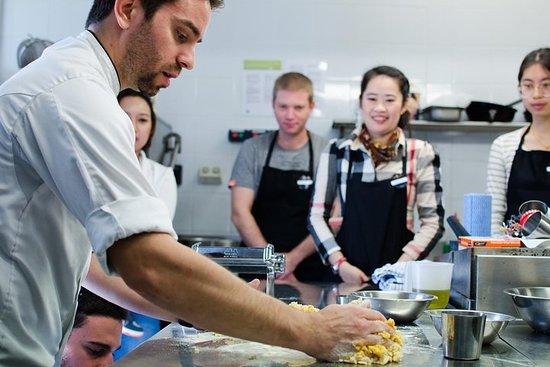 Corso di pasta fresca con chef italiano
