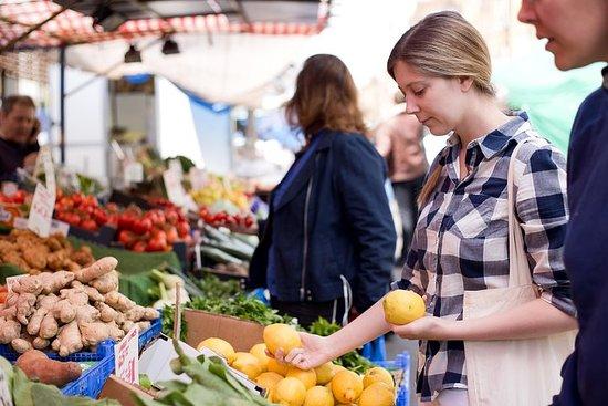 Private Market Tour und Kochkurs mit...