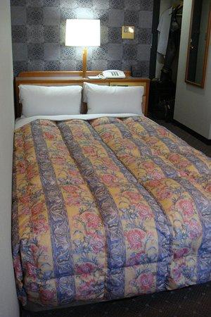 セミダブルベッドがある部屋