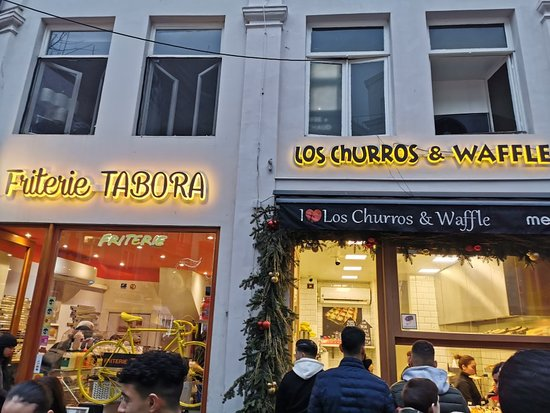 Brussels, IL: Los Churros & Waffle