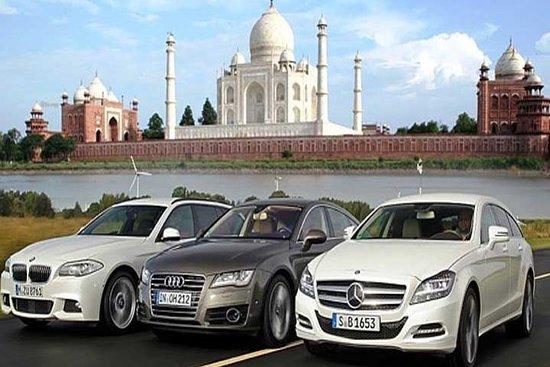Фотография Day Trip to Taj Mahal from Delhi by Luxury Car (Audi - BMW - Mercedes)