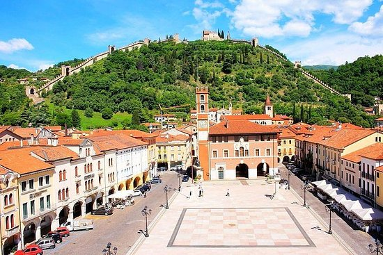 Edades medias, castillos, ciudades amuralladas de Cittadella y...