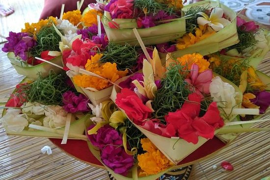 Balinese Offering Making and Purification 사진