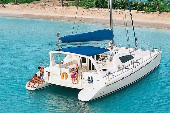 Private Luxury Catamaran Yacht. Full...