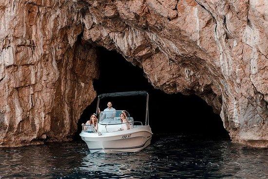 Cueva azul y Nuestra Señora de las...