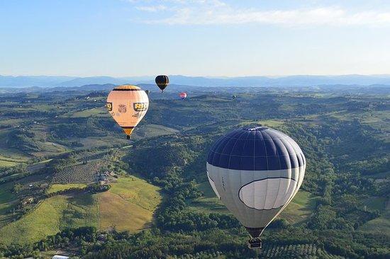 Flug im Heißluftballon über die...