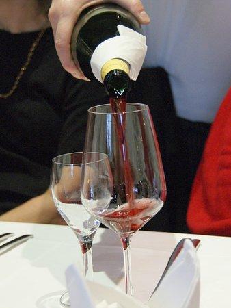 Sasbach am Kaiserstuhl, Германия: Vins fruités allemands n'ayant pas à rougir à comparer aux vins français