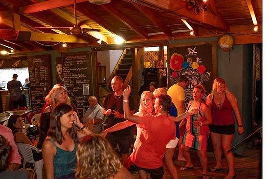 Party Bus Nightlife in St Maarten