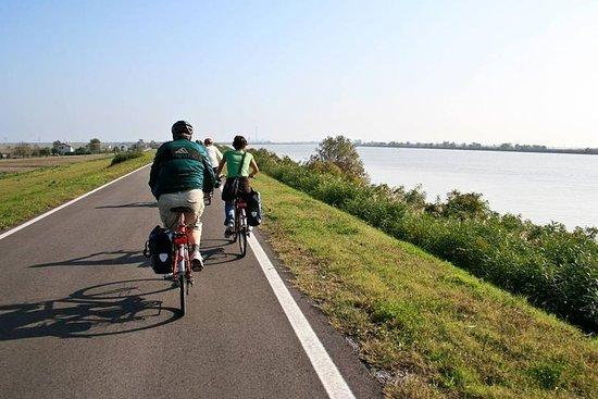 Faire du vélo à travers la vallée des...
