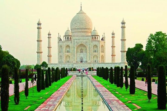 One Day Agra Tour by Car from Delhi