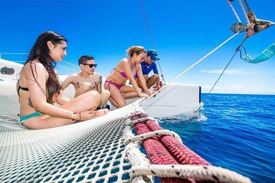 Roatan Full Day Catamaran Sailing...
