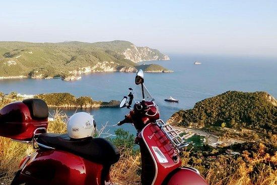 科孚島的Palaiokastritsa Vespa Tour