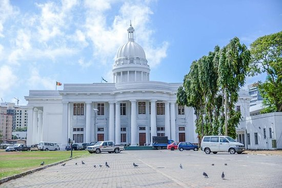 Colombo City Tour from Airport or Colombo