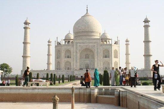 Même jour, visite du Taj Mahal en...
