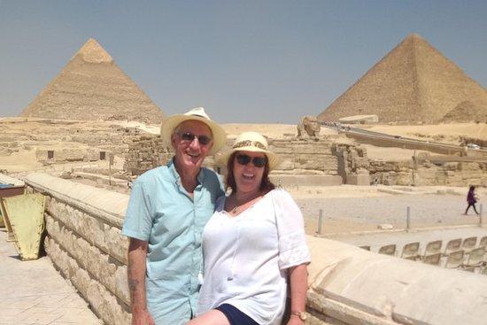 Private Giza Pyramids Day Trip med...