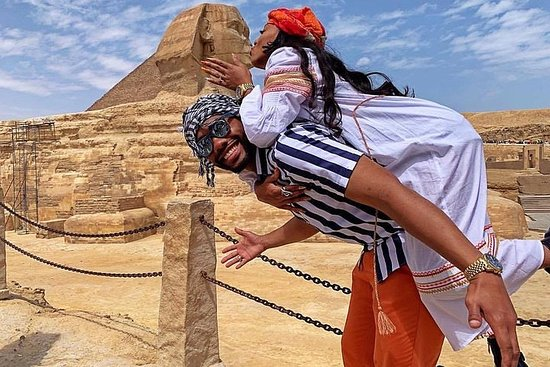 Private Day Tour to Pyramids, Sphinx...