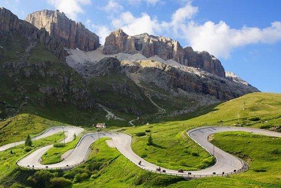 BIKE TOUR ON THE DOLOMITES - SELLA RONDA: Passo...