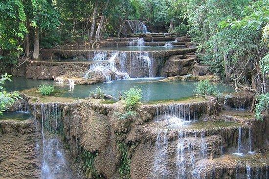 Trekking dans la jungle des cascades...