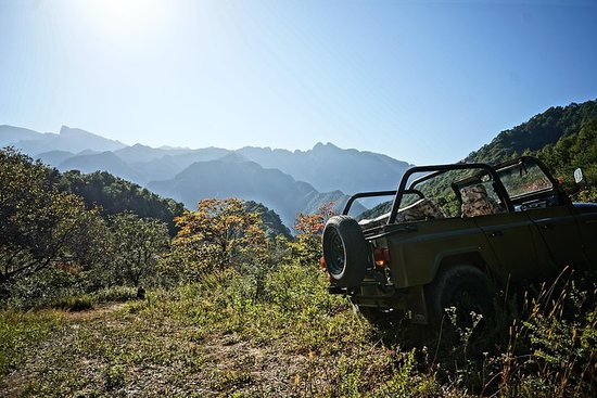 INSIDERS Vintage jeep private tour: The Ancient Quest Ride