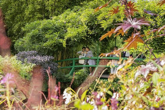 Skip the Line: Giverny and Monet House...